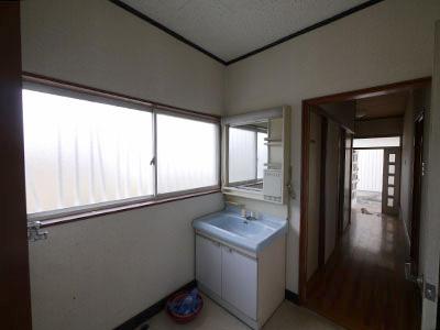 工事前の洗面室